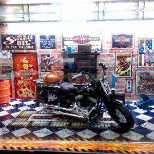 Diorama Harley Modelo 9