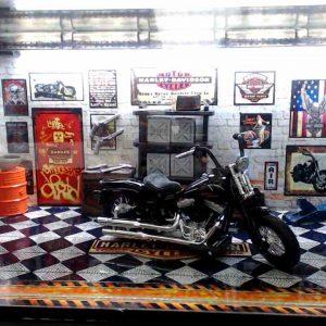 Diorama Harley Modelo 13