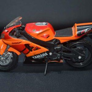 Miniatura Moto Yamaha R7 Maisto 1/18