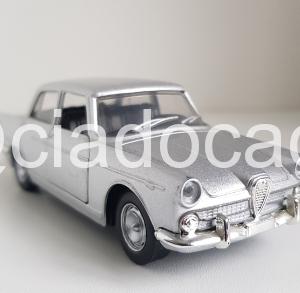 Miniatura Alfa Romeo Fnm Jk 2000 1:43