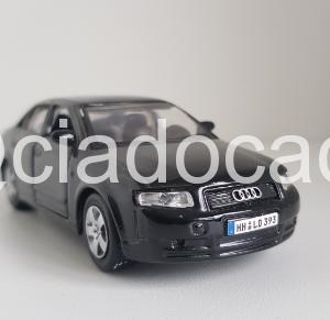 Audi A4 1/40 Maisto