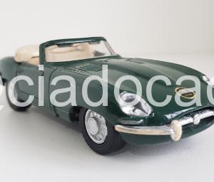 Jaguar: E Cabriolet – Verde – 1:38 – Maisto
