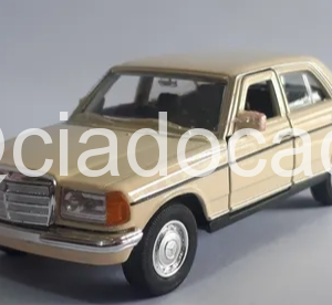 Mercedes-Benz E Class  Bege 1:39 Welly