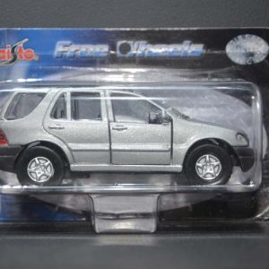 Mercedes Benz ML 320 – Free Wheels – Prata – 1:41 – Maisto