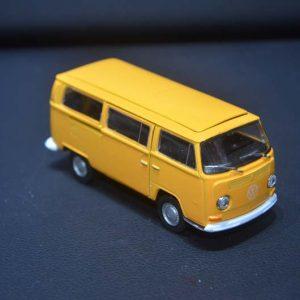 1978 VW Type 2 Bus – Kombi com porta de correr – Amarelo